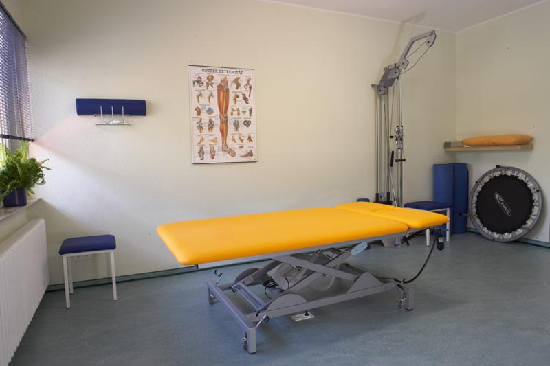 In unserem Trainingsraum befindet sich ein multifunktionelles Seilzuggerät